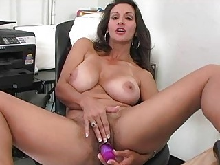 heavy chested dark brown mother i plays with sex
