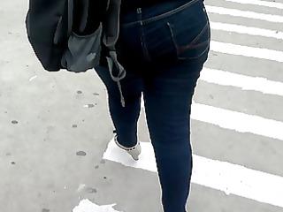 sdruws10 - bubble wazoo walking down the street