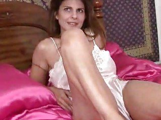 mother i closeup pussy masturbation