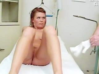 janelle young mamma having her love tunnel gyno