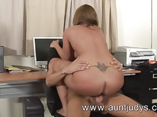 hot mother i honey gets screwed in her office