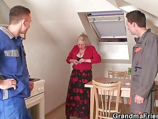 wicked granny widens her legs for two knobs