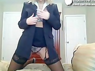 d like to fuck cam teasing action