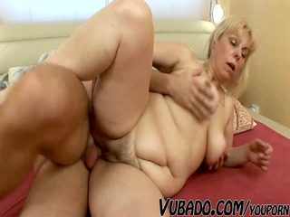 plump milf hard screwed !!