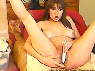 horny mature bitch serving boyz on webcam