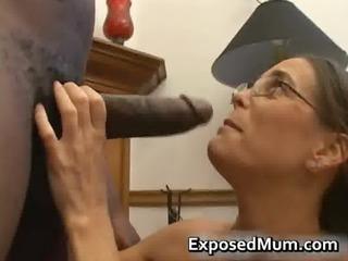 hot milf in glasses deepthroating dark