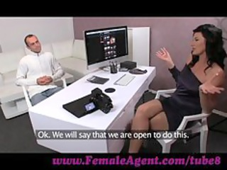 femaleagent. man has issues during casting