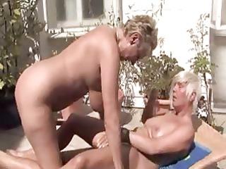 lesbo three-some
