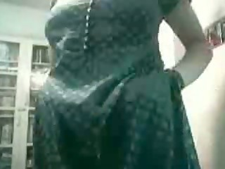 pregnant indian wife fucks on webcam