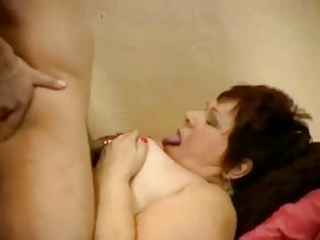 chubby mature fucks in white stockings