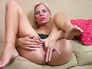 mommy jerk off encouregement