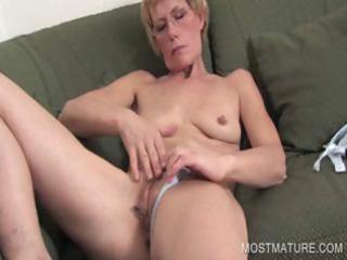 mature blondie fingering cum-hole