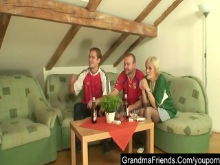 granny loses a bet and her snatch receives screwed