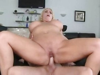 corpulent blond momma with huge pointer sisters