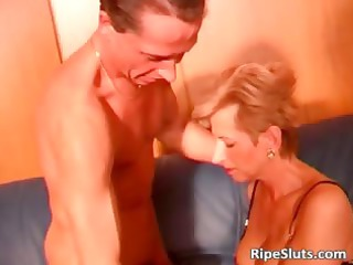 hawt and slutty mature wench acquires soaked