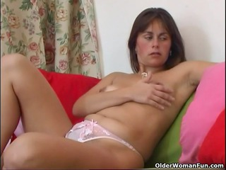unshaved and aged mommy masturbates with fingers