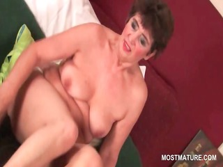 lusty older babe vibing her hairy vagina to meaty