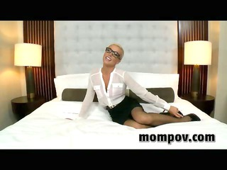 mother i receives anal in hotel on camera