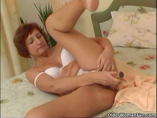 granny bonks her shaved love tunnel and anal