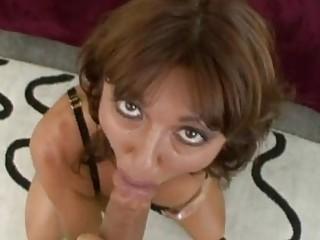 steamy sexy momma desi foxx munches a massive rod