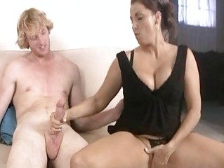breasty dark brown milf gives hard saussage a