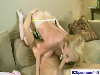 98-busty mommy porn