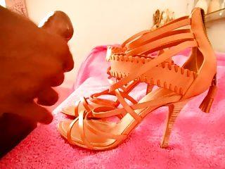 wife shoes heels schuhe cum