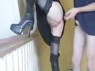 sesso sulle scale.... sex on stairs!