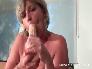 mommy dildo fucking her hungry muff
