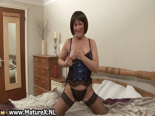 mature mama in sexy black nylons part8