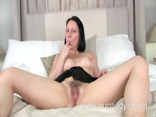 hot mother id like to fuck amber spreads her legs