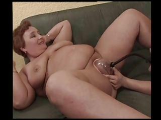pumping grannys bald vagina