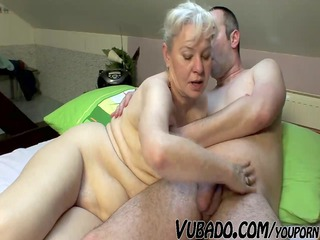 aged pair fuck hard on bed