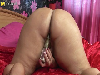 big chunky mature whore mother doing herself
