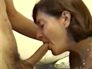older honey giving hawt oral job
