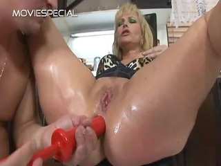 mature d like to fuck receives anus drilled