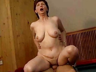 hawt sporty mommy fucking hard