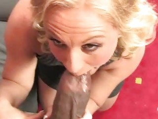 hot mom stunning summer on a large chunky dong