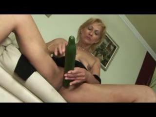 blond little saggy titted mature d like to fuck