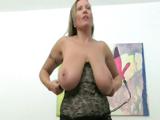 older woman fucking on leather bedstead