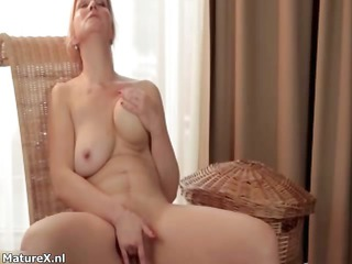 natural non-professional housewife loves finger