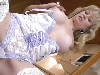 hot blond mother getting her bawdy cleft soaked