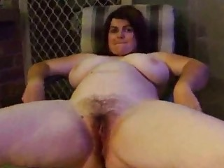 make water chubby wife pissing