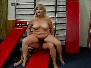 german mother i in gym