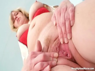 blond big pointer sisters milf widening cunt on