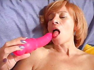 lady shows all 7