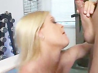 brooke hunter receives on her knees and sucks!