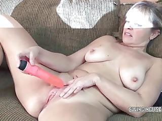 curvy mother i liisa is fucking her muff