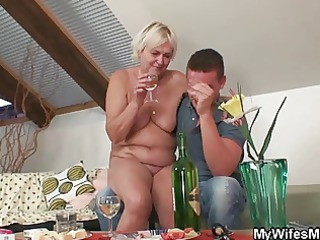 he finds his gfs mother naked and copulates her