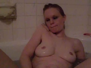 lascivious single mom playing in the bathtub
